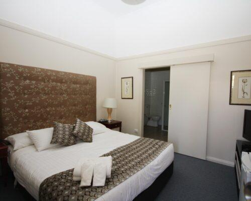 bourke-accommodation-budget-room-25 (7)