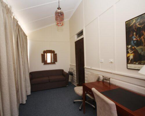 bourke-accommodation-executive-room-28 (2)