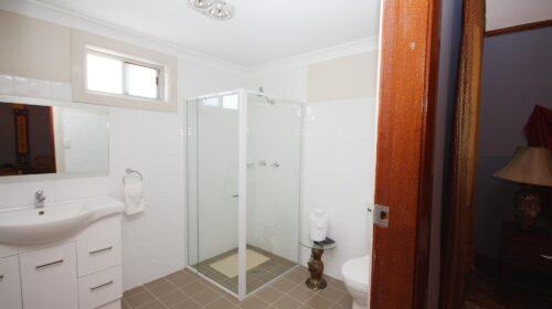 bourke-accommodation-executive-room-28 (4)