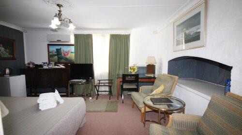 bourke-accommodation-standard-room-10 (5)