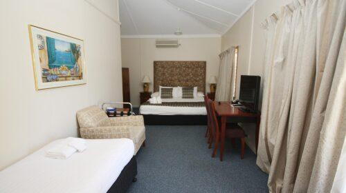 bourke-accommodation-standard-room-21 (7)