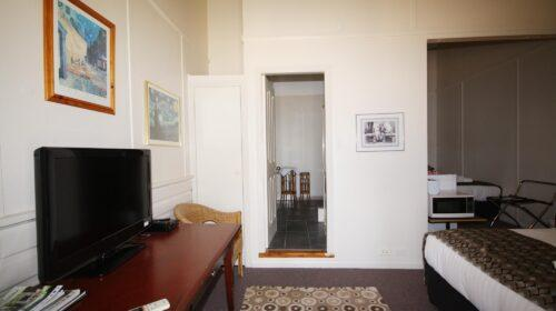 bourke-accommodation-standard-room-23 (6)