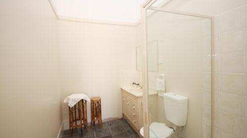 bourke-accommodation-standard-room-23 (8)