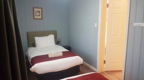bourke-deluxe-accommodation-2bed-family-room-20 (12)