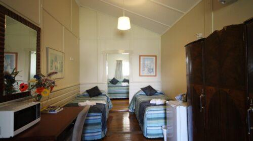 bourke-deluxe-accommodation-2bed-family-room-24 (3)