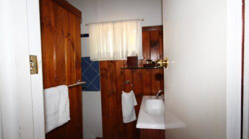 bourke-deluxe-accommodation-2bed-king-single-room-15 (15)