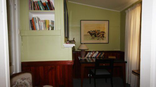bourke-deluxe-accommodation-2bed-king-single-room-15 (17)