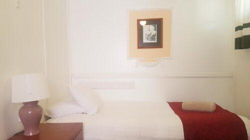 bourke-deluxe-accommodation-2bed-king-single-room-16 (10)