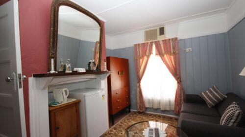 bourke-deluxe-accommodation-king-room-19 (17)